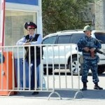 В результате нападения в Атырау получили ранения двое полицейских