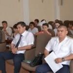 За драку с депутатом на дисциплинарном заседании отчитали сельского акима