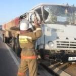 На пути грузового поезда в Павлодарской области из цистерны разлился бензин