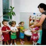 Воспитатели детских садов жалуются на низкую заработную плату