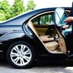 Аренда автомобиля с водителем: преимущества перед такси